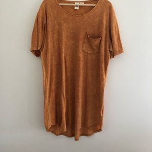 Urban outfitter long orange acid wash tee